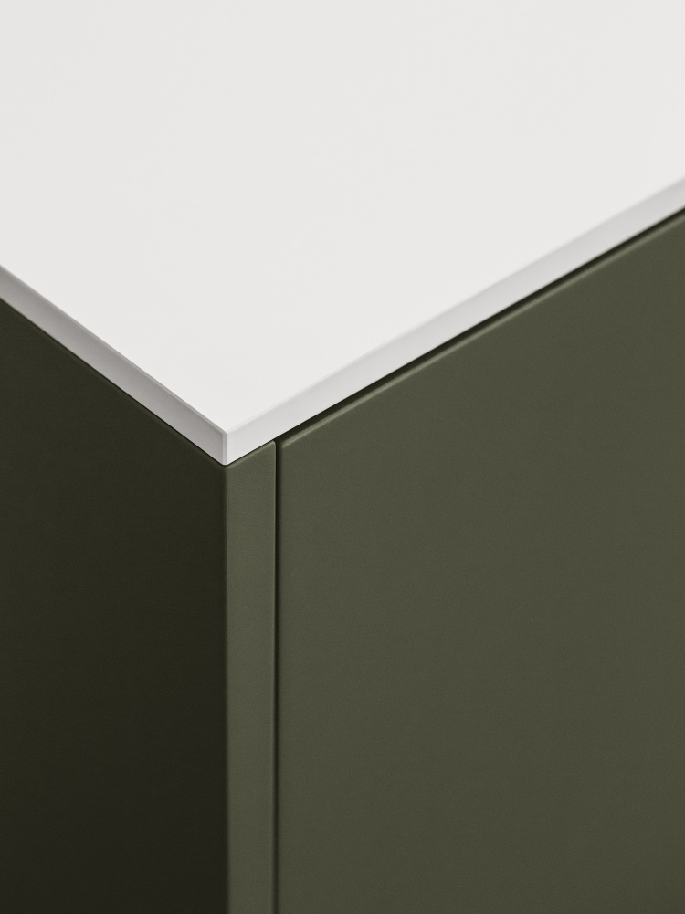 https://cdn-www.reformcph.com/Green UNIT fronts and white countertop