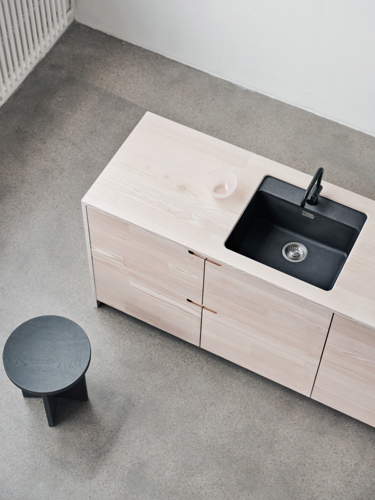 https://cdn-www.reformcph.com/UP kitchen in recycled wood