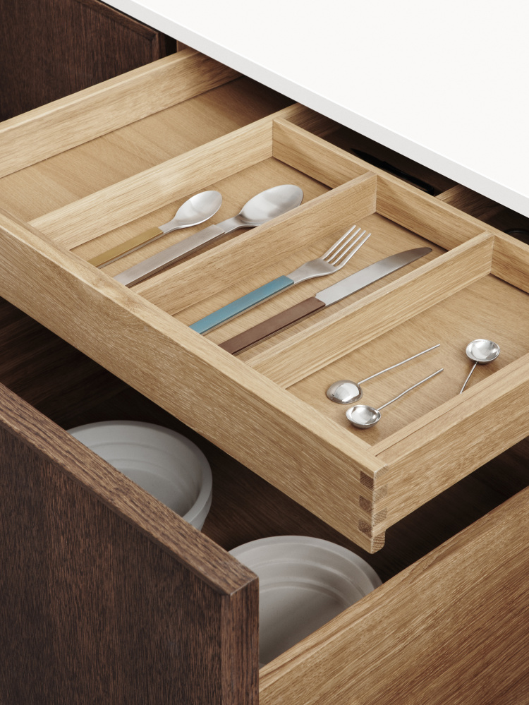 https://cdn-www.reformcph.com/Different sizes of drawers and drawer inserts